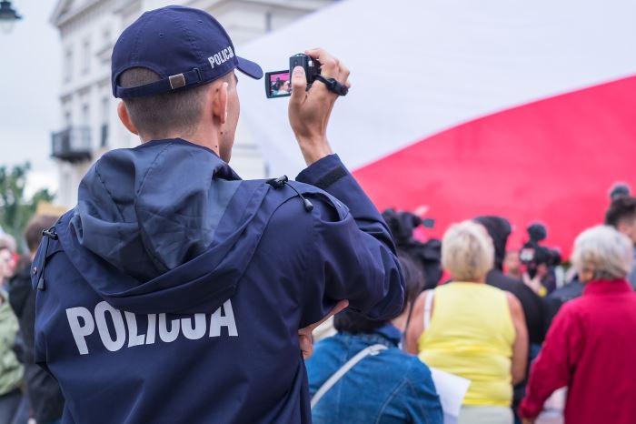 Policja Mysłowice: Seniorze uważaj kogo wpuszczasz do swojego domu!